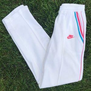 Vintage Nike sweatpants. Medium